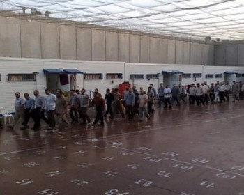ثلثا الأسرى في معتقل عتصيون من الأطفال والقاصرين