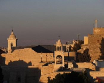 مبعدو كنيسة المهد يطالبون المقاومة بإدراج قضيتهم في صفقة التبادل
