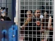 """80 أسيرا من """"حركة الجهاد"""" يعتصمون في ساحة سجن النقب"""