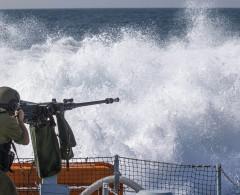 بحرية الاحتلال تهاجم الصيادين شمال شاطئ قطاع غزة