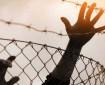 الاحتلال يفرج عن أسير ويمدد توقيف آخر