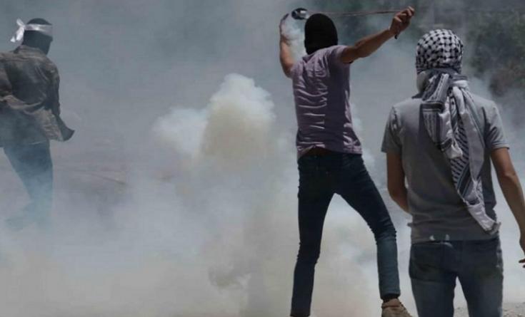 إصابات بالاختناق خلال اقتحام الاحتلال حي الطيرة في رام الله