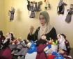 خاص بالفيديو والصور   ولاء موسى.. سيدة فلسطينية تصنع دمى للأطفال تحاكي التراث الفلسطيني